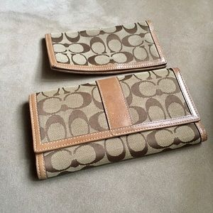 💯 authentic Coach wallet and checkbook case